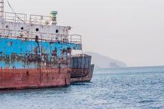 Старый ржавый покинутый корабль Стоковые Фото