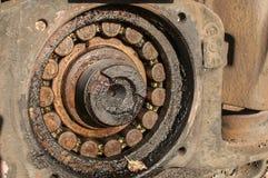 Старый ржавый подшипник железнодорожного колеса Стоковая Фотография