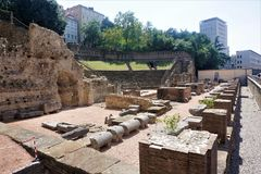 Старый римский театр в городе Триеста Стоковые Фото