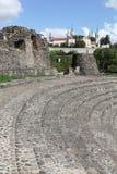 Старый римский театр Fourviere с базиликой Fourviere в Лионе Стоковое фото RF