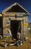 Старый сарай с номерными знаками Стоковая Фотография RF