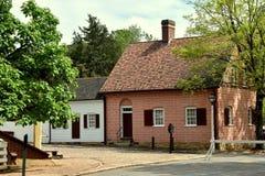 Старый Салем, NC: Дома главной улицы XVIII века стоковое изображение