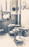 старый сбор винограда фото Внутренняя гончарня внутрь Стоковые Изображения