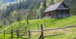 Старый сельский сельский дом ландшафта стоковое фото