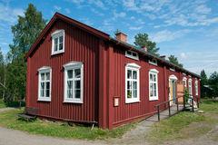 Старый сельский дом в северной Швеции Стоковые Изображения RF