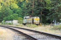Старый советский локомотив около железной дороги Стоковое Изображение RF