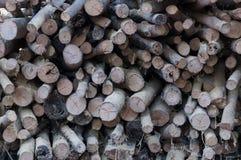 Старый стог швырка, естественной деревянной предпосылки Стоковая Фотография RF
