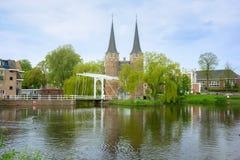 Старый строб города к Делфту, Нидерландам Стоковая Фотография