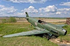 Старый сломанный военный самолет Стоковая Фотография