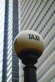 старый таксомотор знака Стоковое Изображение RF