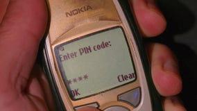 Старый телефон поворачивая дальше видеоматериал