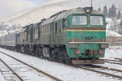 Старый тепловозный пассажирский поезд Стоковые Изображения RF