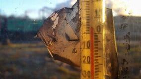 Старый термометр ртути читает 3 градуса выше нул Стоковая Фотография RF