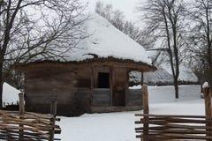 Старый украинский дом в зимнем времени Стоковое Изображение