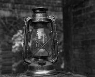 Старый фонарик в черно-белом Стоковое Фото