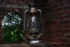 Старый фонарик в черно-белом Стоковые Фото