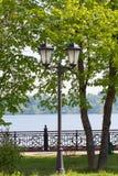 Старый фонарик на банках Рекы Волга стоковая фотография rf