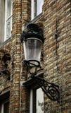 Старый фонарный столб в Брюгге стоковые фотографии rf