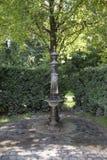 Старый фонтан внешний Стоковые Изображения
