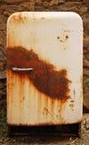 старый холодильник ржавый Стоковое фото RF