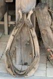 Старый хомут для обуздывать лошадей проекта используемых на ферме воцарения стоковое изображение rf