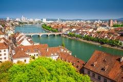Старый центр города Базеля с собором Мунстер и Рейном, Швейцарией Стоковое Изображение RF