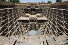 Старый шаг хорошо, привлекательность туристского перемещения в Индии Стоковое Изображение