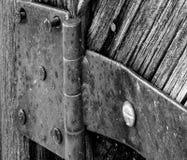 Старый шарнир двери стоковая фотография