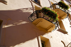Старый швейцарец Лугано Швейцарии города террасы стены и цветка Стоковые Изображения