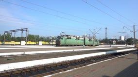 Старый электрический локомотив сток-видео
