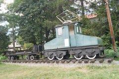 Старый электрический поезд товаров Стоковые Изображения
