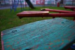 Старый carousel в спортивной площадке ярких цветов Стоковые Изображения