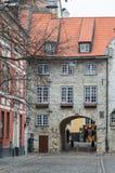 старый riga Шведские ворота во время сезона зимы стоковые фотографии rf