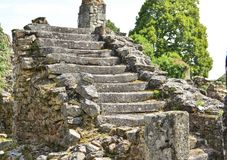 старым лестница разрушенная камнем Стоковое фото RF