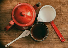 Старым покрашенное годом сбора винограда взгляд сверху комплекта кофе Стоковая Фотография