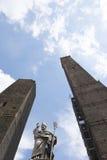 2 старых башни в болонья, Италии Стоковое Изображение