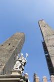 2 старых башни в болонья, Италии Стоковая Фотография