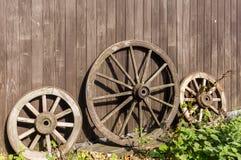 3 старых колеса телеги Стоковые Изображения RF