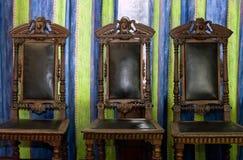3 старых стуль Стоковая Фотография