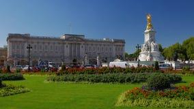 Статическая съемка Букингемского дворца в Лондоне видеоматериал