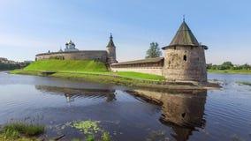 Статический взгляд на башне Ploskaya в Пскове видеоматериал