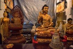 Статуи Будды в виске зуба Стоковое Фото