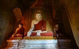 Статуи Будды на виске в Bagan, Мьянме Стоковые Изображения RF