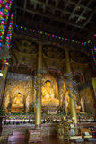 Статуи Будды на виске Yakchunsa на острове Jeju Стоковое фото RF