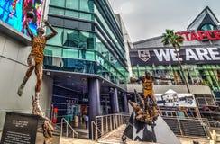 Статуи волшебства и Kareem на Staples Center Стоковые Изображения RF