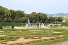 Статуи в вене сада Belvederegarten стоковое фото