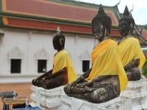 3 статуи в виске Будды в Таиланде стоковое изображение rf
