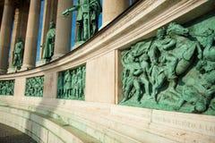 Статуи в квадрате героя стоковая фотография rf