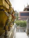 Статуи демона в виске Wat Phra Kaew, Бангкоке, Таиланде Стоковая Фотография RF
