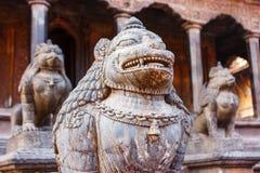Статуи и украшения в квадрате Patan Durbar, Непале Стоковое Изображение RF